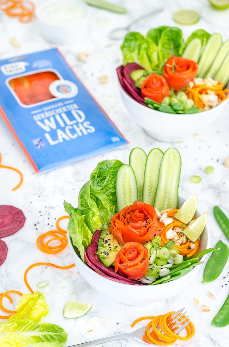 Sockeye Wildlachs Bowl mit sommerlichem Gemüse
